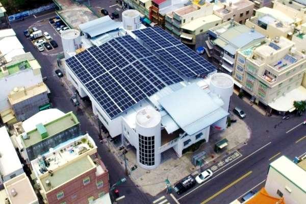 高市府打造綠能菜市場 發電量增回饋市場還防漏水