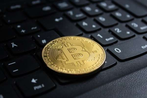 虛擬貨幣漲勢強勁,投資新手想跟風但真的適合嗎?靠軟體分析帶你一窺比特幣投資風險