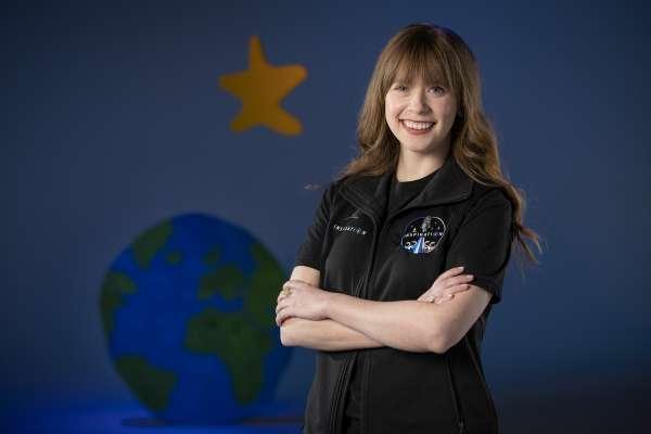 10歲戰勝病魔,如今將飛向宇宙!抗癌女鬥士獲選參加平民太空旅遊 成為美國最年輕太空人