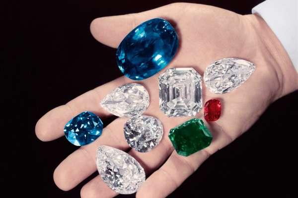 獻上世界最令人驚艷的鑽石,歌頌125歲『鑽石之王』海瑞.溫斯頓的傳奇人生