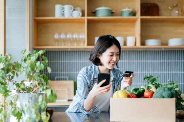 2021信用卡繳保費,哪張卡分期零利率最划算?5張網友大推神卡總評比,最高享2%回饋