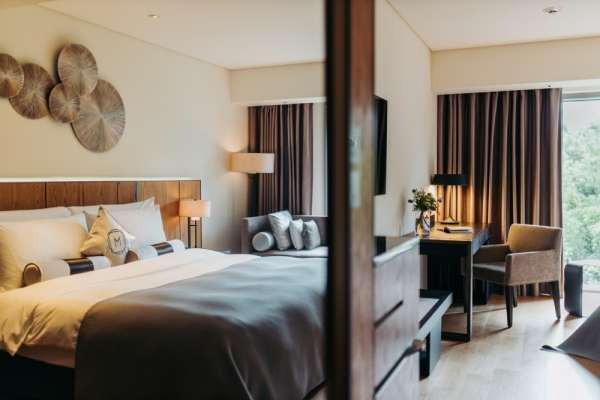 慕軒飯店與軒尼詩跨界聯名 獨享房內調酒樂趣