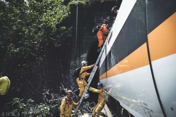 太魯閣號出軌》5歲姐罹難,倖存2歲童:不敢再搭火車