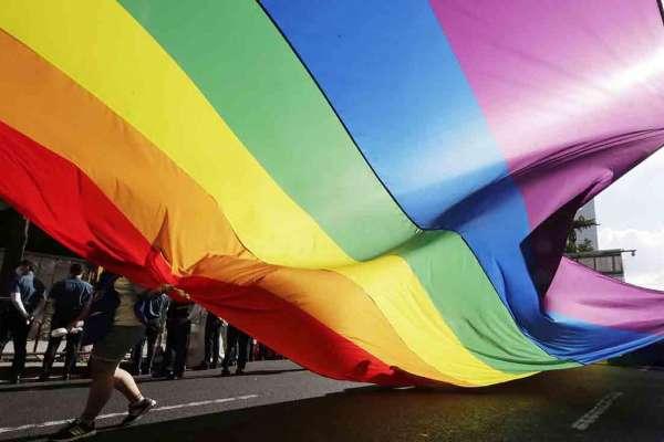 「不同的人都有發言權,那才是真正的民主」!面臨威脅照挺LGBTQ族群 《衛報》專訪首爾市長候選人—吳太陽