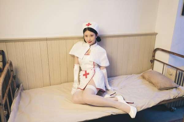 《深夜保健室》大尺度談男女做愛細節!專訪鄭家純:性愛過程只要沒感覺,我會馬上推開他