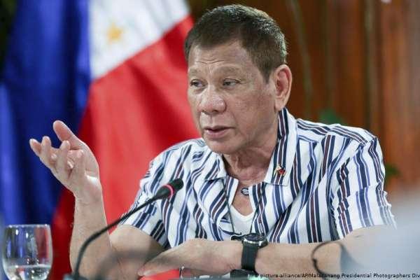 杜特蒂對中國硬起來?!菲律賓將派軍艦進駐南海,宣示資源主權