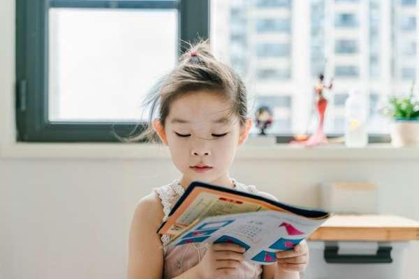 何時讓小孩學習第二外語比較好?專家曝兒童學習外文的「最佳年齡段」:有機會跟講母語一樣溜