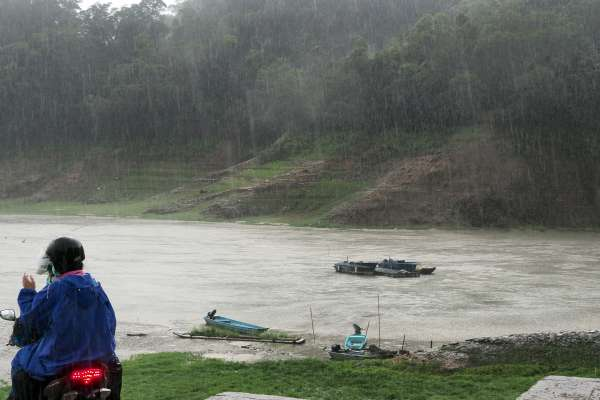 梅雨發威,全台水庫大豐收!翡翠、石門水庫一夜進補880萬噸水,可供雙北地區2天用水