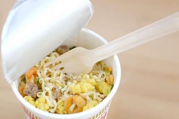 泡麵其實沒有加防腐劑?一篇文揭真正有害健康的關鍵成分,營養師:吃麵前做好4步驟最安心