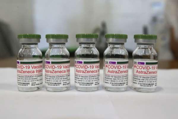 高端疫苗和AZ疫苗哪個效果比較好?食藥署用200名醫護人員對比測試,台大醫點出2大盲點