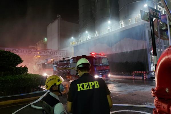 台塑林園廠凌晨火警,高雄市環保局正調查釐清責任