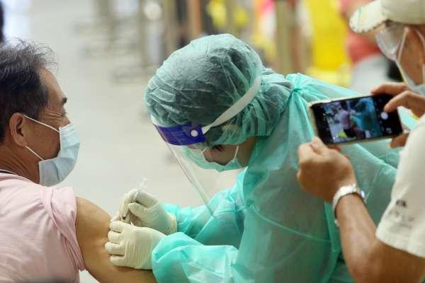 新冠疫苗混打之前,要先做好心理準備!前台大醫師列3點警告,發生不良反應機率將提高