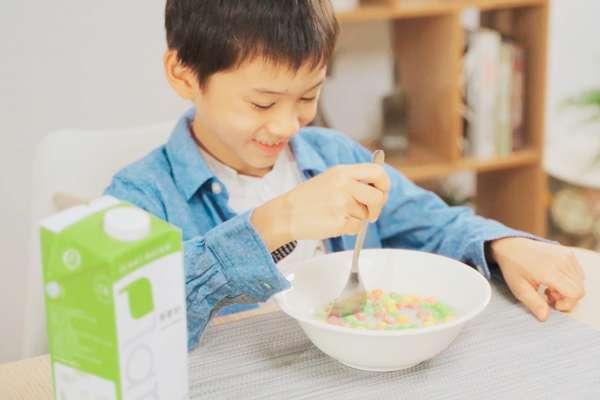 蔬食商機正夯!新創品牌首推「植物奶」 募資平台三天達標