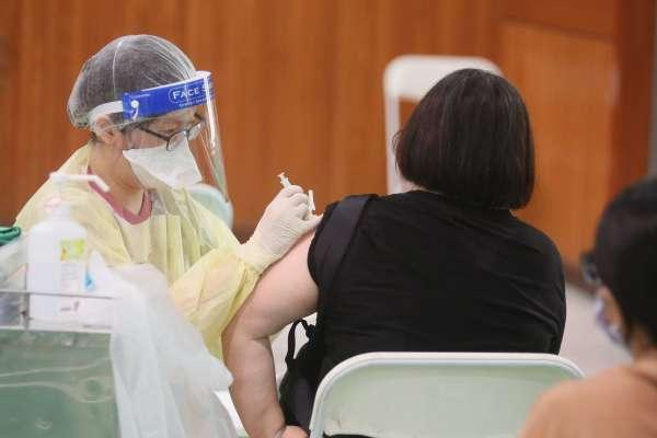 不用等簡訊通知!38歲以上民眾可直接上平台預約第四輪公費疫苗接種