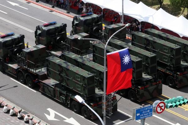 華爾街日報》中國軍機頻頻靠近,台灣人開始思考如何應對攻台威脅