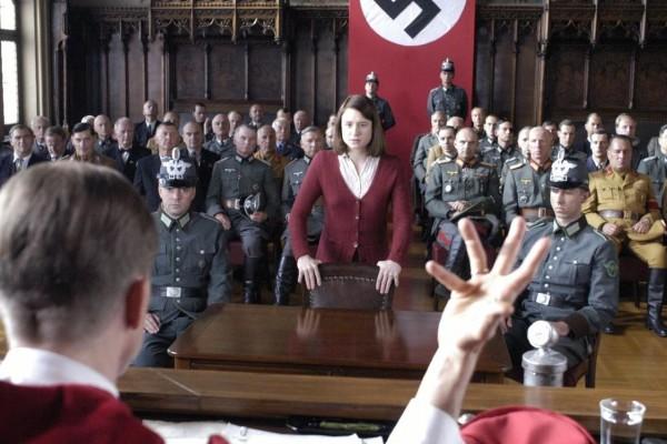 最勇敢的反納粹鬥士!從希特勒腦粉,到冒死反抗獨裁…她發起「白玫瑰運動」喚醒德國人的良知
