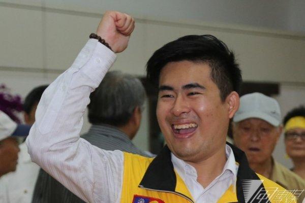 王炳忠:對蔣公銅像潑漆者 其獨裁比蔣介石更可怕