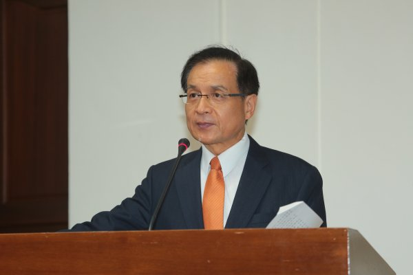 許添財觀點:讓台灣經濟脫困──以管理解決四缺問題,從舊軌跡找出新價值