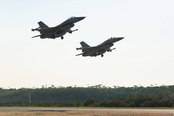 觀點投書:台灣不對稱作戰武器的選項──戰機、飛彈與潛艦?
