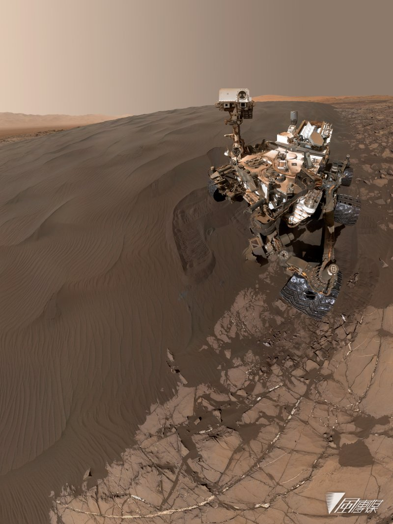 火星漫遊車(Mars rover)「好奇號」(Curiosity)的最新白拍照(NASA)