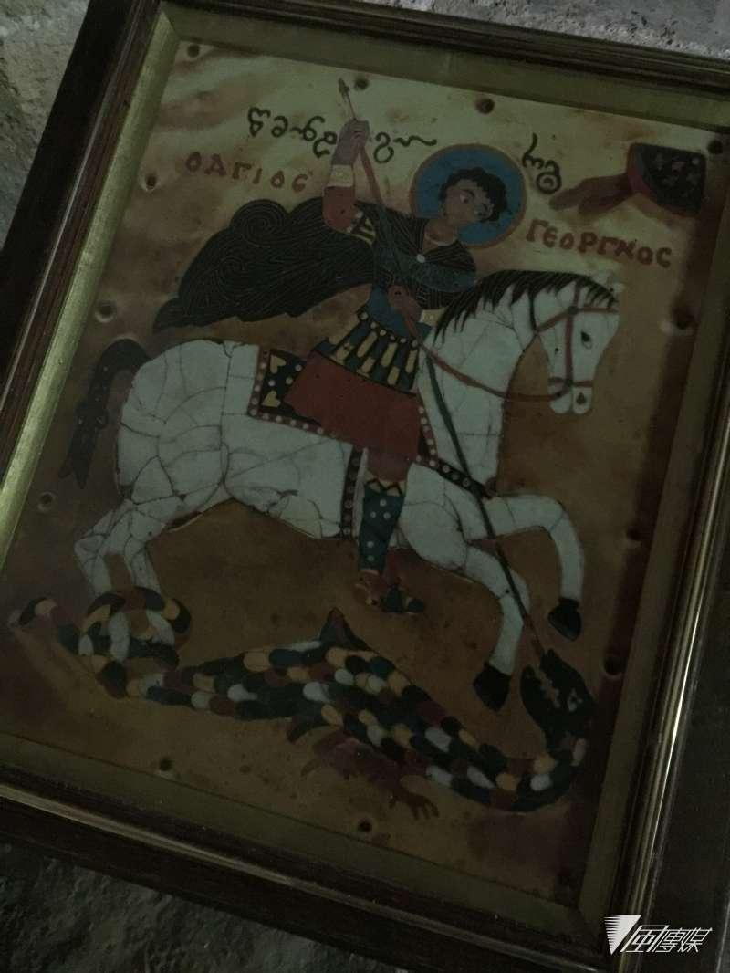 奧塞梯亞人仍保有傳統信仰,但同時也信東正教或伊斯蘭信仰,圖為傳統信仰的主神,也是東正教中的聖人聖喬治(簡恒宇攝)