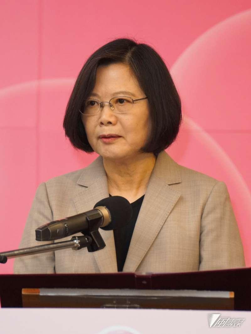 20180929-總統蔡英文出席台北國際乳癌研討會。(盧逸峰攝)