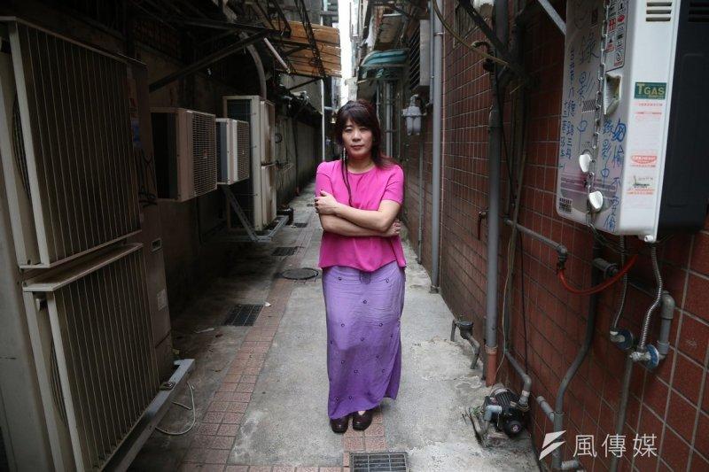 來自台灣的白曉紅,過去曾在英國擔任《衛報》記者,更曾多次以臥底記者的方式採訪新聞。(楊子磊攝)