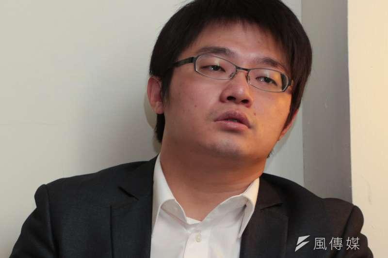 04-20150401-SMG0019-207-馮光遠與藍士博選立委專訪,馮光遠(左)與藍士博-余志偉攝.jpg
