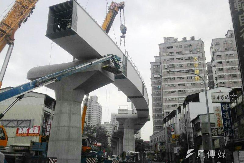 台中捷運工程發生嚴重工安意外,造成4死4傷。台中地檢署認便宜行事導致事故發生。