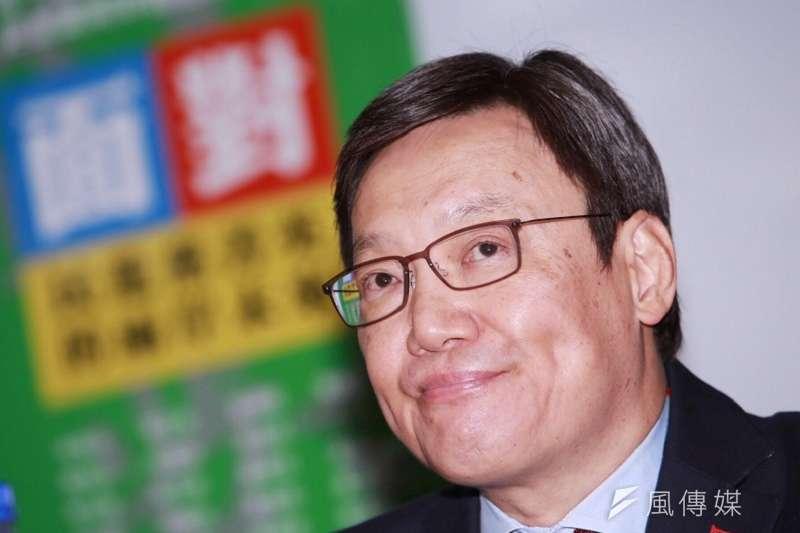 前國安會秘書長蘇起12日出席《面對》新書發表會,認為民進黨蔡英文有關「維持現狀」的論述還需要有更多牛肉。林韶安攝。