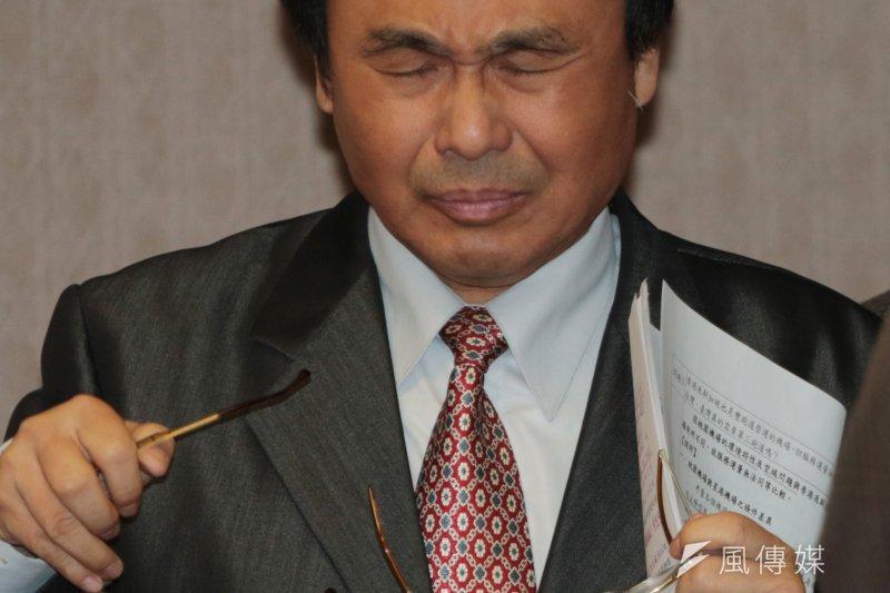 交通部長陳建宇到立法院交通委員會針對桃園航空城開發案備詢。(余志偉攝)