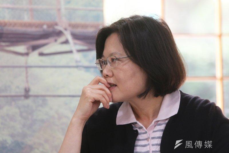 民進黨提名蔡英文參選2016總統大選後,她出席「在地希望 點亮台灣」影像紀錄發佈記者會。(楊子磊攝)