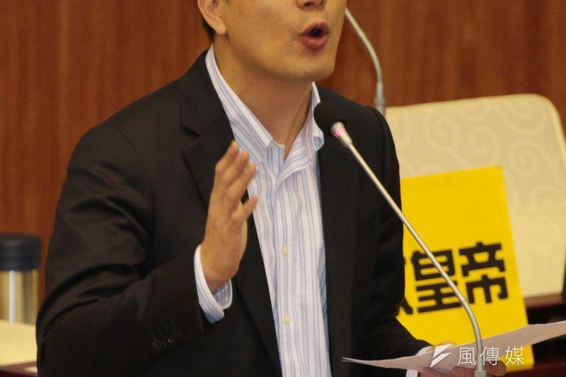 吳伯雄之子台北市議員吳志剛,傳身陷財務危機,位於淡水的豪宅將被法拍。(余志偉攝)
