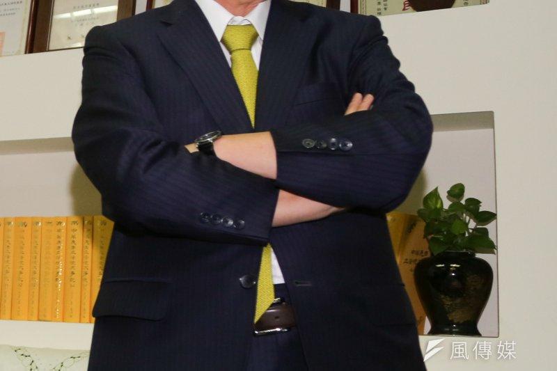 柯建銘被喻為民進黨「永遠的總召」,民進黨若在明年立委選舉席次過半,柯建銘應會更上層樓爭取代表民進黨角逐立法院的龍頭寶座。(資料照,余志偉攝)