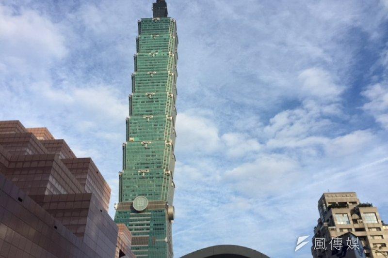 刻意設定刺激,要計算大樓高度,可想成「把大樓平放在地上計算」─你想過把101大樓平放嗎?(資料照片)