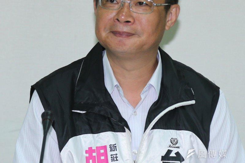 胡世和投入民進黨立委初選,與同區吳秉叡將進行民調決定初選資格。(吳逸驊攝)