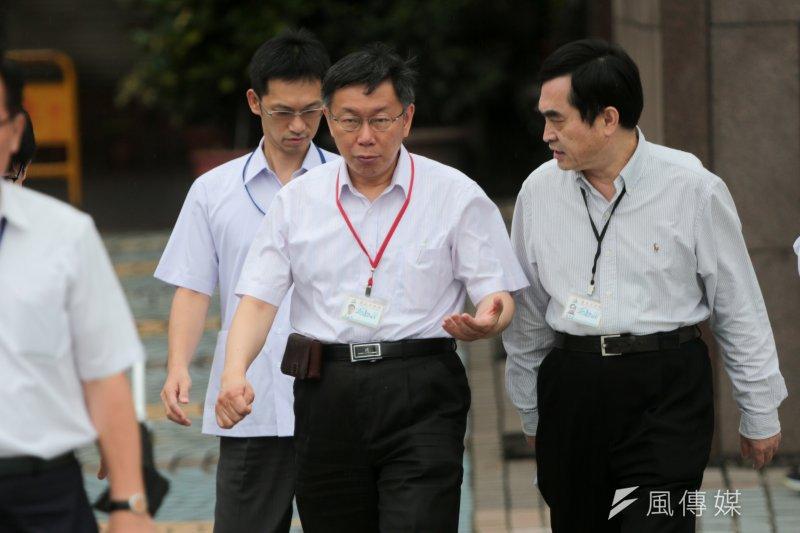 台北市長柯文哲在最新的民調中沒有拿到5顆星,他29日表示,做該做的事,不要計較民調高低。(余志偉攝)