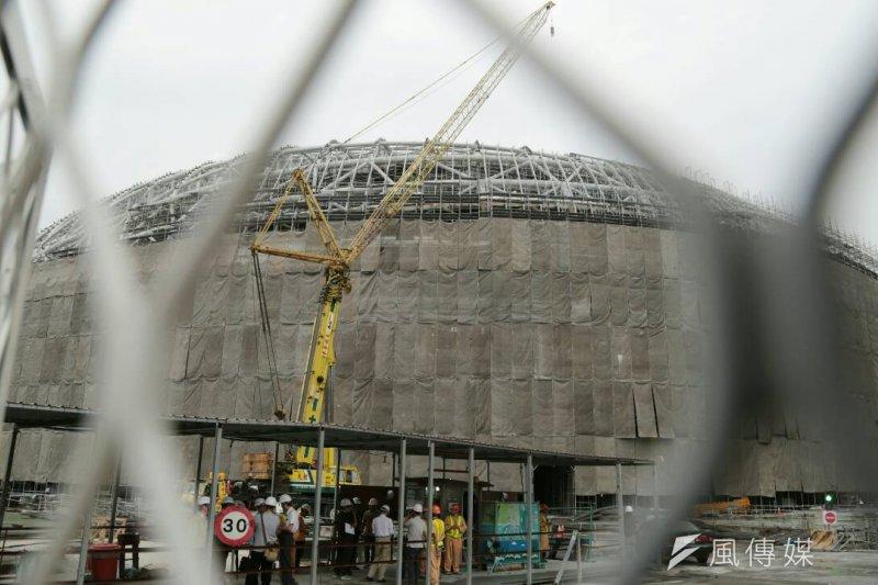 消防局長吳俊鴻考察東京巨蛋後表示,相較於此,遠雄巨蛋較不安全。(資料照,余志偉攝)