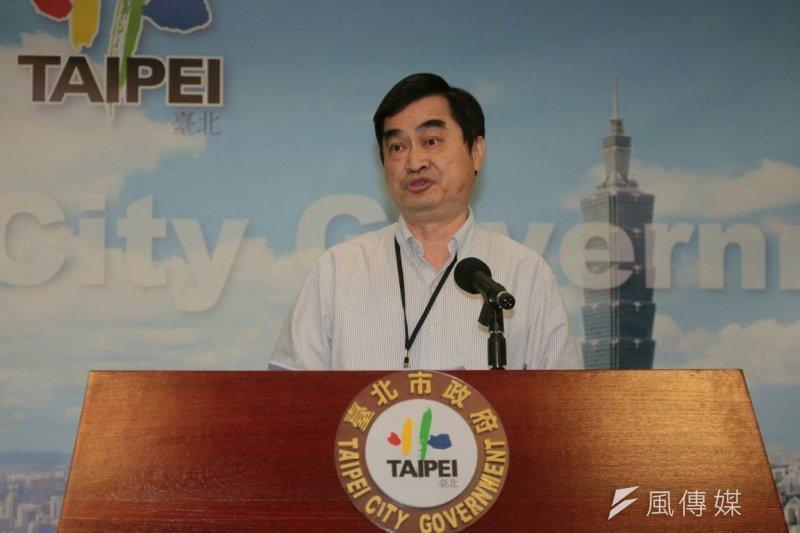 台北市副市長鄧家基21日上午舉行記者會,表示將落實大巨蛋停工要求。(余志偉攝)