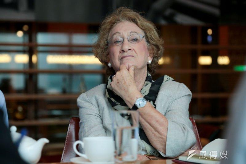 英國國會上議員史坦女爵(Baroness Stern) 針對死刑、人權等相關議題,與台灣政府交換意見。(余志偉攝)