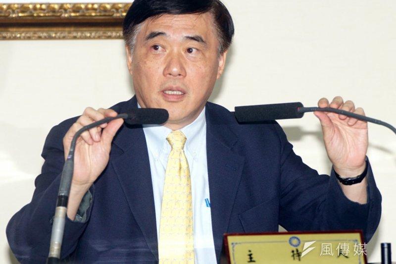 國民黨總統中央提名審核委員會25日開會,前衛生署長楊志良確定出局。郝龍斌表示,提審會決定啟動防磚機制。(蘇仲泓攝)