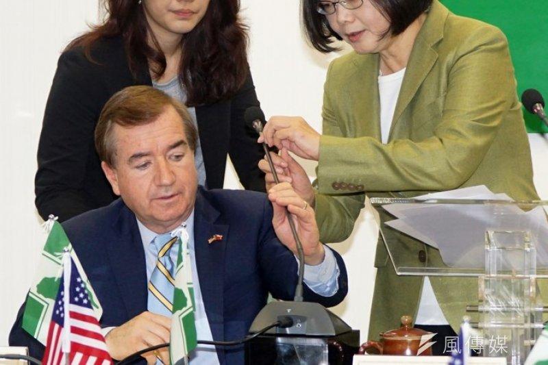 民進黨黨主席蔡英文周五訪美,將與美國眾議院外交委員會主席ED Royce(左)會面。(蘇仲泓攝)