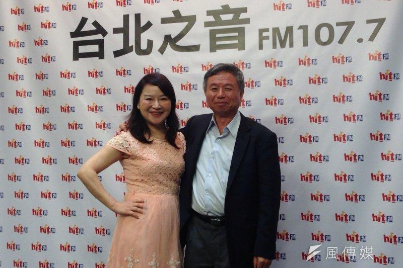 媒體人周玉蔻(左)在九合一選舉期間經常批評國民黨台北市長候選人連勝文,引發許多藍營基層黨員不滿,曾被提議開除黨籍。(資料照,羅暐智攝)