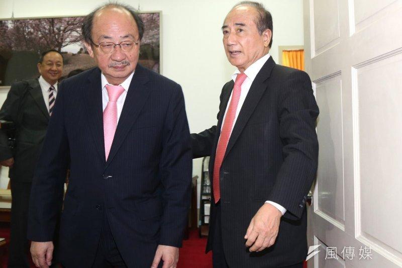 立法院長王金平(右)與民進黨黨鞭柯建銘為了國會改革,兩人對摃上。(資料照,吳逸驊攝)