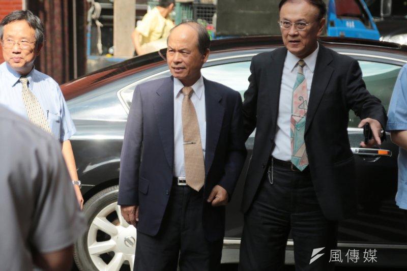 房地合一稅5日三讀通過,財長張盛和喜孜孜地於財政部召開記者會。(余志偉攝)
