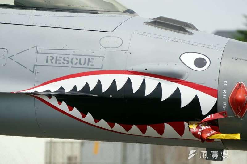 空軍司令部27日起舉行「飛虎80周年文物特展」。圖為2015年空軍展示抗戰勝利70周年勝利鯊魚頭紀念塗裝。(資料照,蘇仲泓攝)