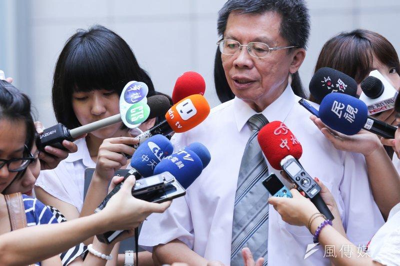 前台北市長郝龍斌願意到南部藍營艱困選區參選立委,前立委沈富雄8日在臉書表示,要給他「拍拍手」。(資料照,林韶安攝)