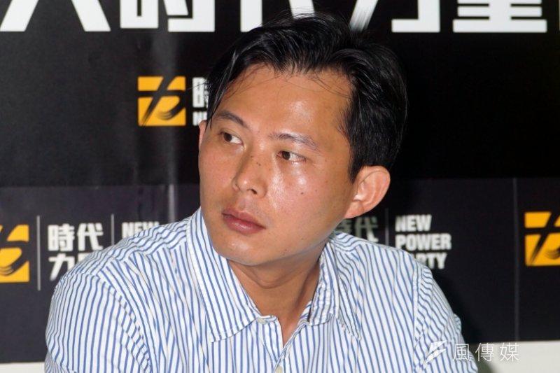 時代力量主席黃國昌表示,不同意國民黨總統參選人洪秀柱的主張,但認為她是有原則的人。(資料照片,蘇仲泓攝)