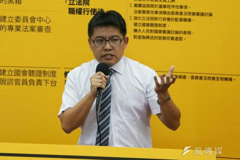 新政黨時代力量28日在台大法學院舉辦首波政見發表會,立委提名人邱顯智(吳逸驊攝)