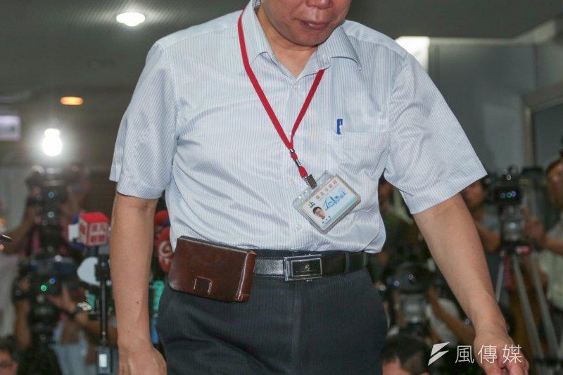 台北市長柯文哲7日上午表示,作為重症醫學專家,現在才開始真的進入危險期。(余志偉攝)